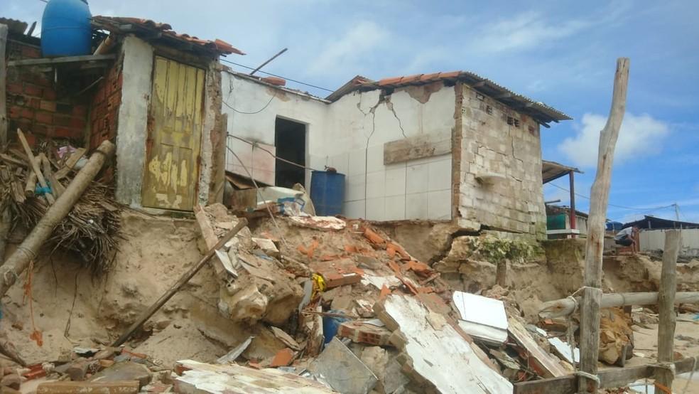 Barracas destruídas na Pedra do Sal, em Parnaíba — Foto: José Neto/Plantão Parnaíba 24 horas