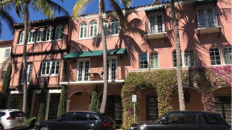 A avenida Worth é a via comercial mais luxuosa de Palm Beach. — Foto: BBC
