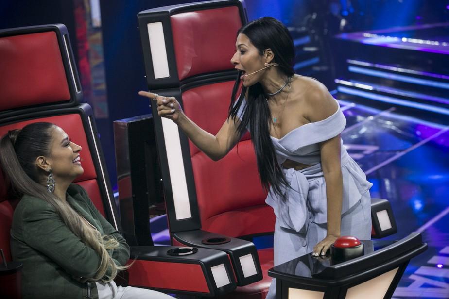 Simaria dando 'bronca' em Simone no 'The Voice Kids' vira meme nas redes sociais