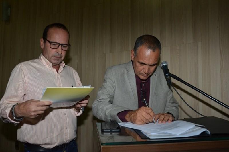 Suplente Fabinho Almeida é empossado como vereador pela Câmara de Campos, no RJ - Noticias