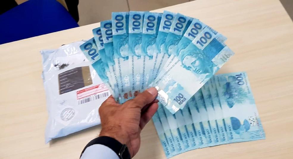 Ao todo, 20 notas ilegítimas foram apreendidas no dia 15 de outubro em Goiana, na Zona da Mata — Foto: Divulgação/Polícia Federal