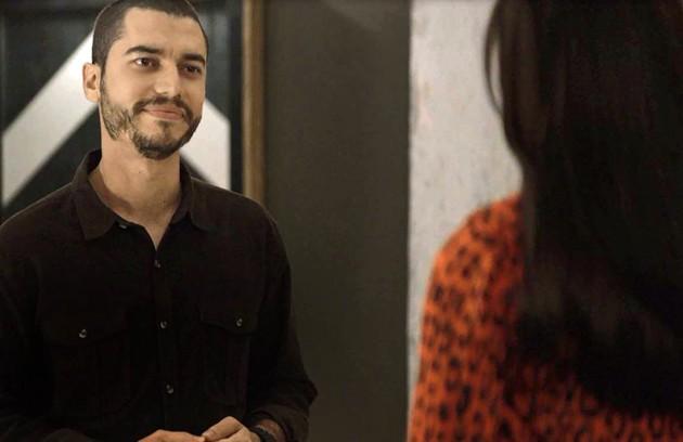 Na quarta (6), Camilo (Lee Taylor) vai quebrar todos os cartões de crédito de Vivi (Paolla Oliveira) (Foto: Reprodução)