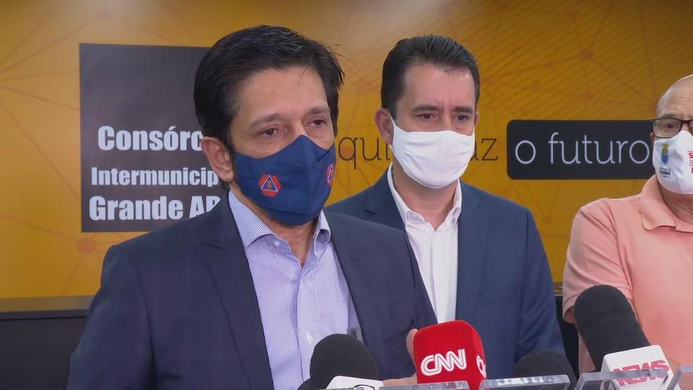 Prefeito Ricardo Nunes durante coletiva de imprensa no ABC paulista  — Foto: Reprodução/TV Globo