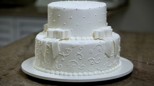 Bolo de Casamento Glamuroso