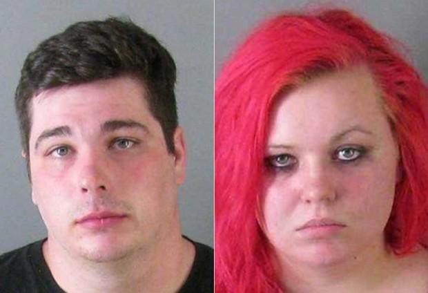 Brad Scott Beard e Samantha Brooke Canipe foram presos após se agredirem lançando pastéis um contra o outro (Foto: Gaston County Jail)