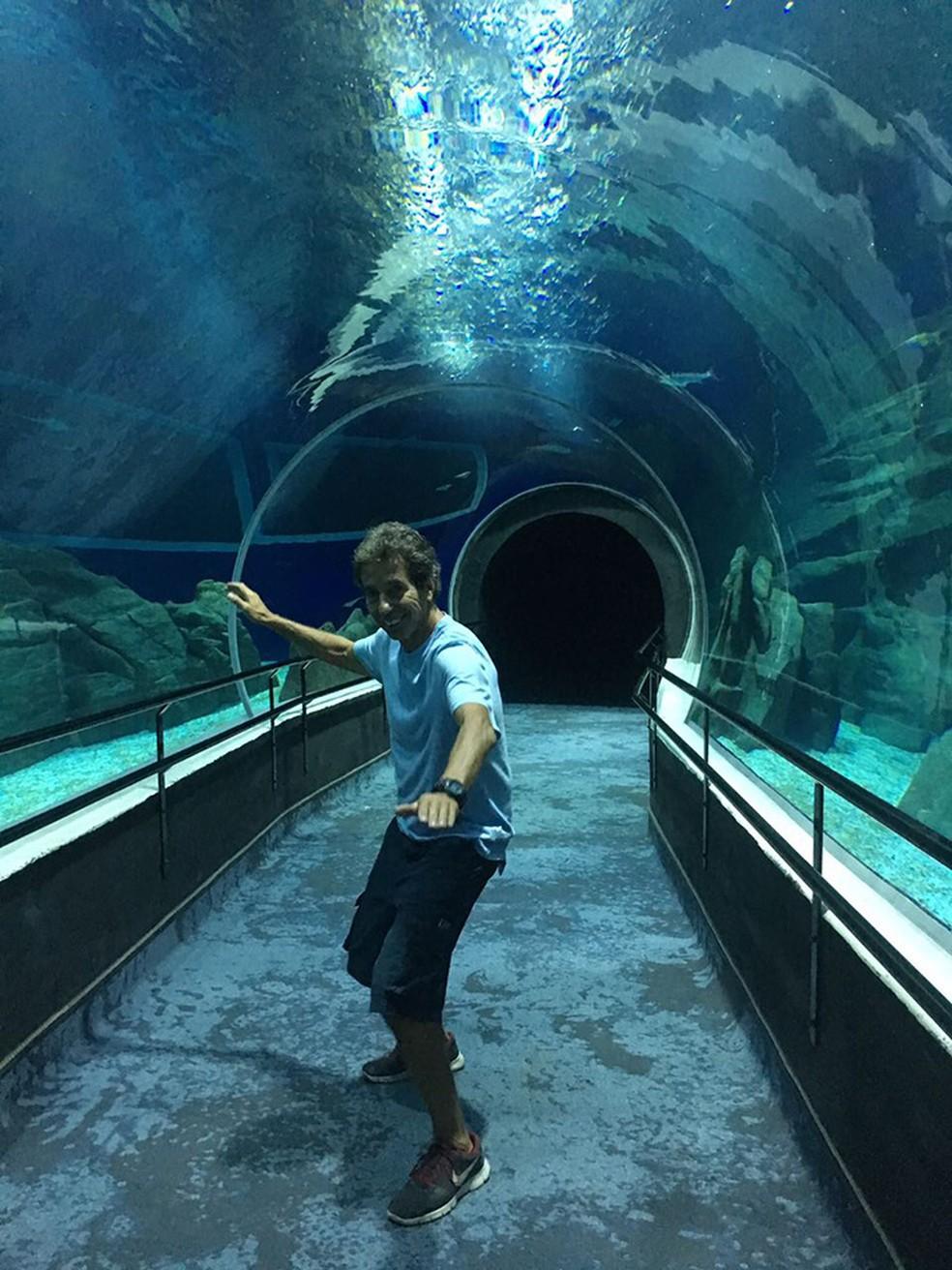 """Tubo — Foto: Rico pegando um """"tubo"""" no AquaRio -  Foto: divulgação"""