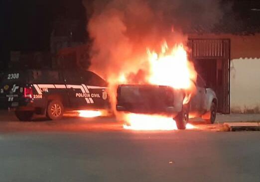 Homem é preso após incendiar viaturas da Polícia de Barcarena, no PA