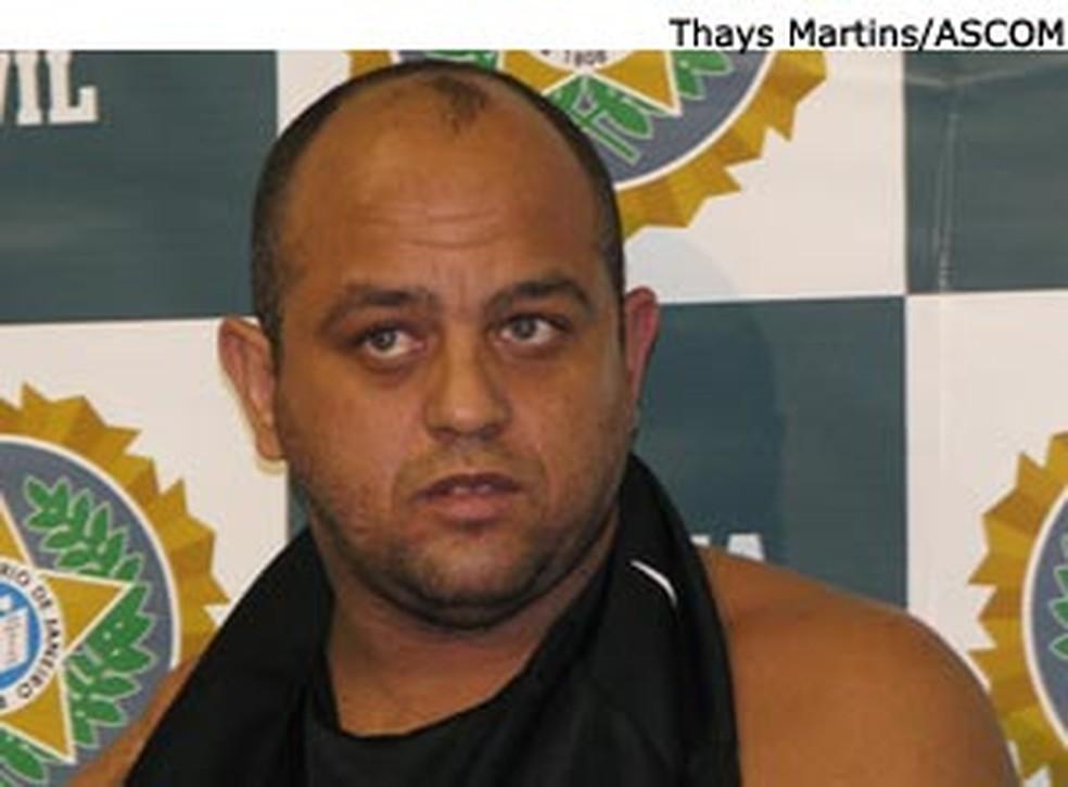 O traficante Márcio Lima da Silva, o Tola, quando foi preso pela polícia, em 2009 (Foto: Divulgação/Polícia Civil)