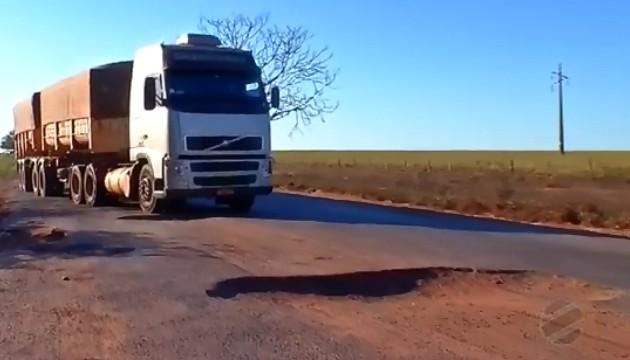 Escoamento da produção é prejudicado por más condições de rodovia na região oeste de MT