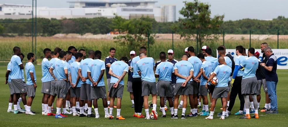 Grupo tricolor enfrenta atraso salarial — Foto: Lucas Merçon/Fluminense FC