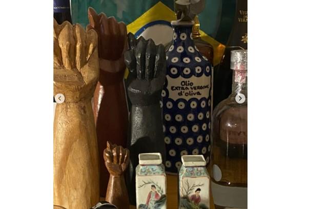 Alguns dos objetos de decoração do local (Foto: Reprodução)