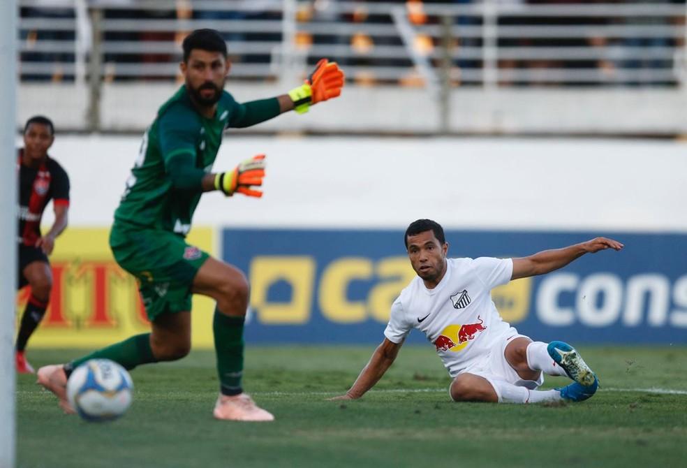 Morato marcou o primeiro gol do Bragantino contra o Vitria  Foto Ari FerreiraCA Bragantino