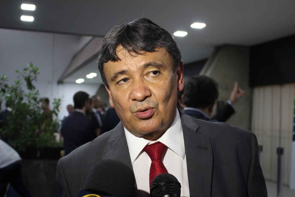 Wellington Dias (PT), governador do Piauí, no encontro de governadores do Nordeste em Teresina — Foto: Lucas Marreiros/G1