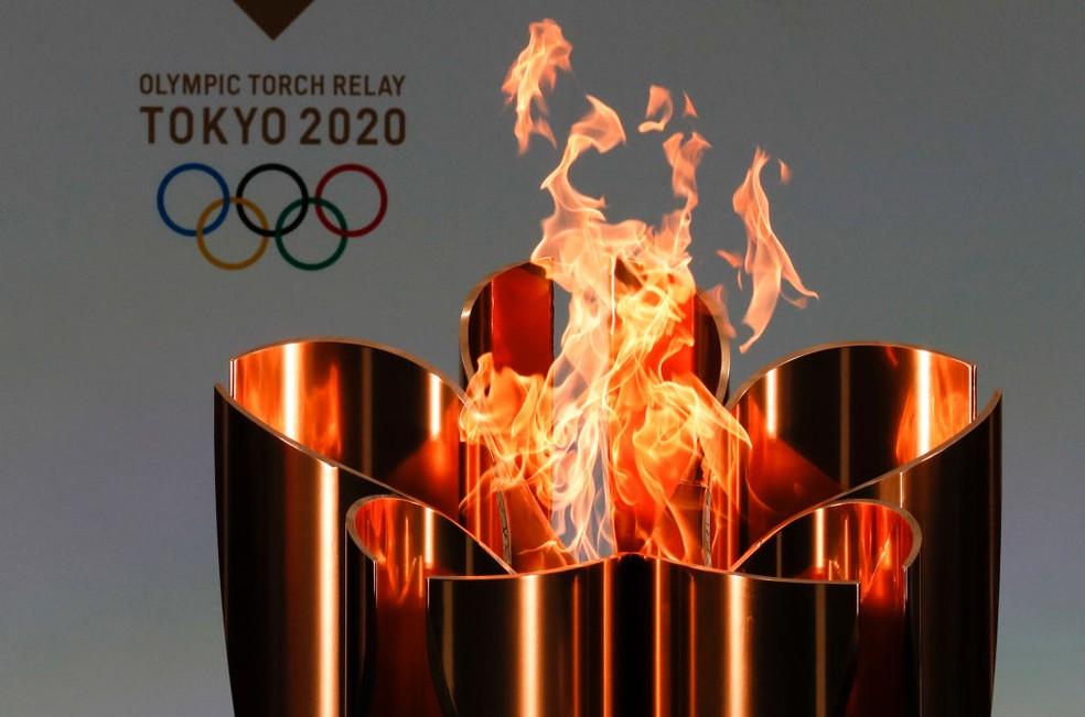 Começa revezamento da tocha olímpica no Japão — Foto: Getty