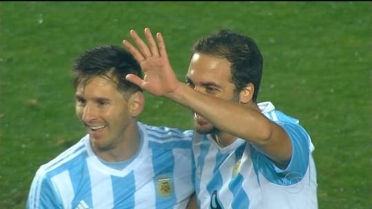 Em reconstrução, Paraguai busca feito inédito na Copa América: ganhar da Argentina