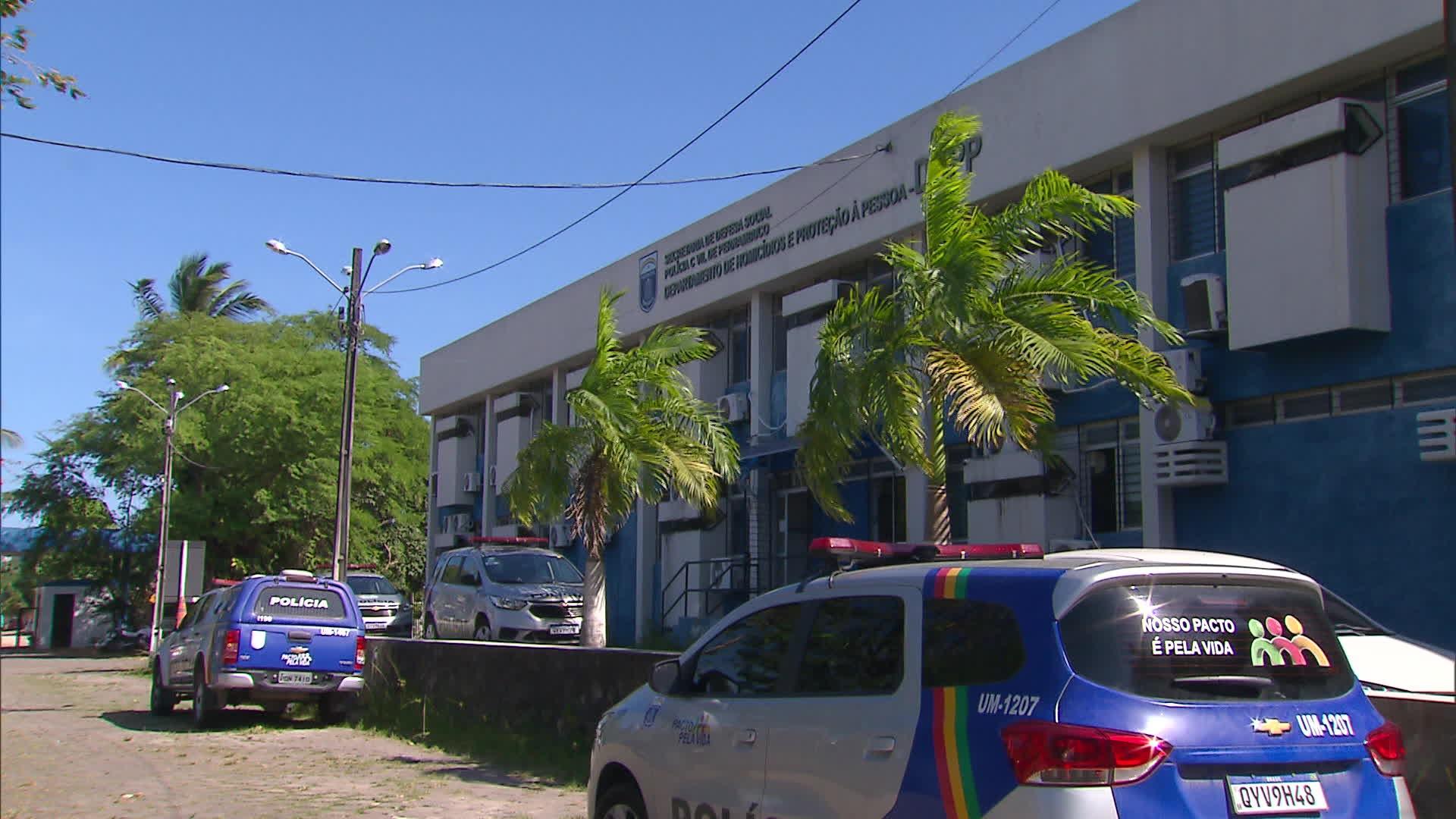 Menina de 2 anos morre após ser socorrida com sinais de violência sexual e mulher é presa suspeita de homicídio