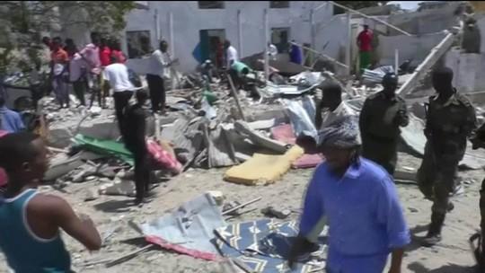Ataque com carro-bomba deixa mortos na capital da Somália