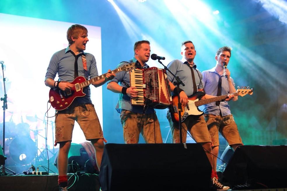 Banda Rotzloffl veio da Alemanha para se apresentar em Blumenau — Foto: @clioluconifotografia/Divulgação