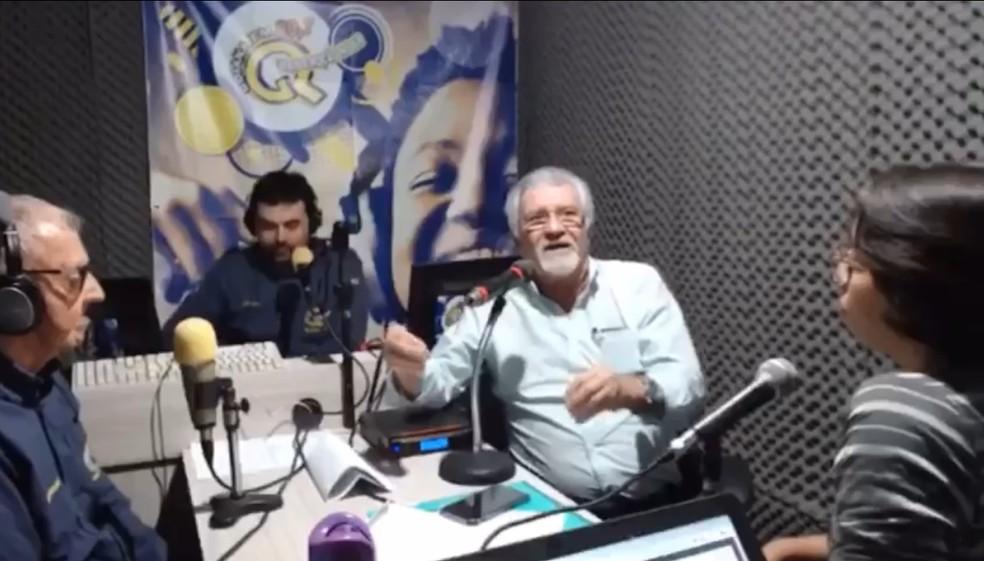Prefeito de Goiana, Osvaldo Rabelo Filho (MDB) foi acusado de desrespeitar mulheres durante entrevista a uma rádio local — Foto: Reprodução/WhatsApp