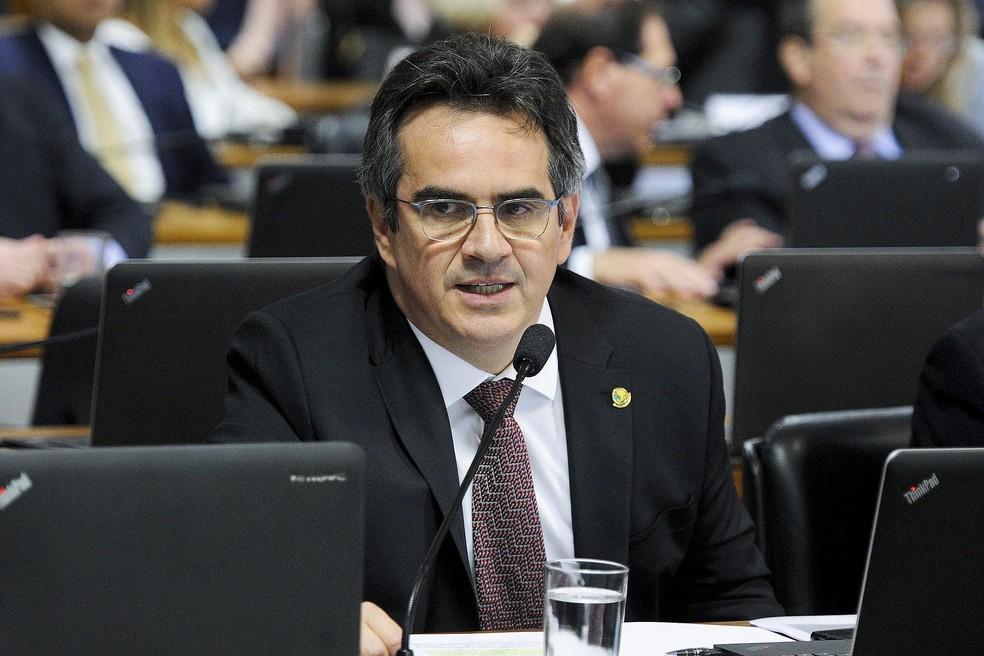 O senador Ciro Nogueira (PP-PI) durante sessão em comissão do Senado em abril deste ano — Foto: Edilson Rodrigues/Agência Senado