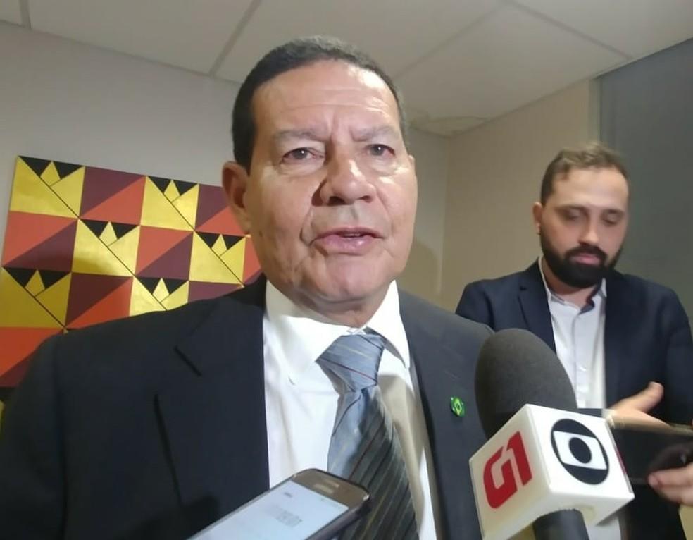 General Hamilton Mourão (foto de arquivo), vice-presidente eleito na chapa de Jair Bolsonaro, diz que não pretende ocupar ministério  — Foto: Sara Resende/TV Globo