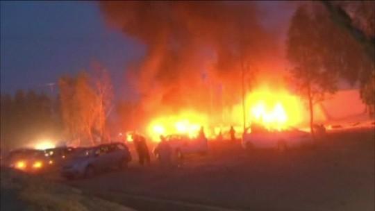 Explosão provoca morte de dez pessoas e deixa 35 feridas
