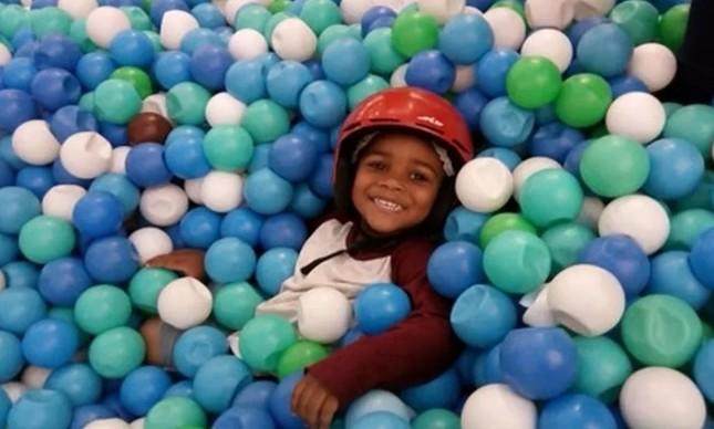 O menino Miguel, morto aos cinco anos, em junho de 2020