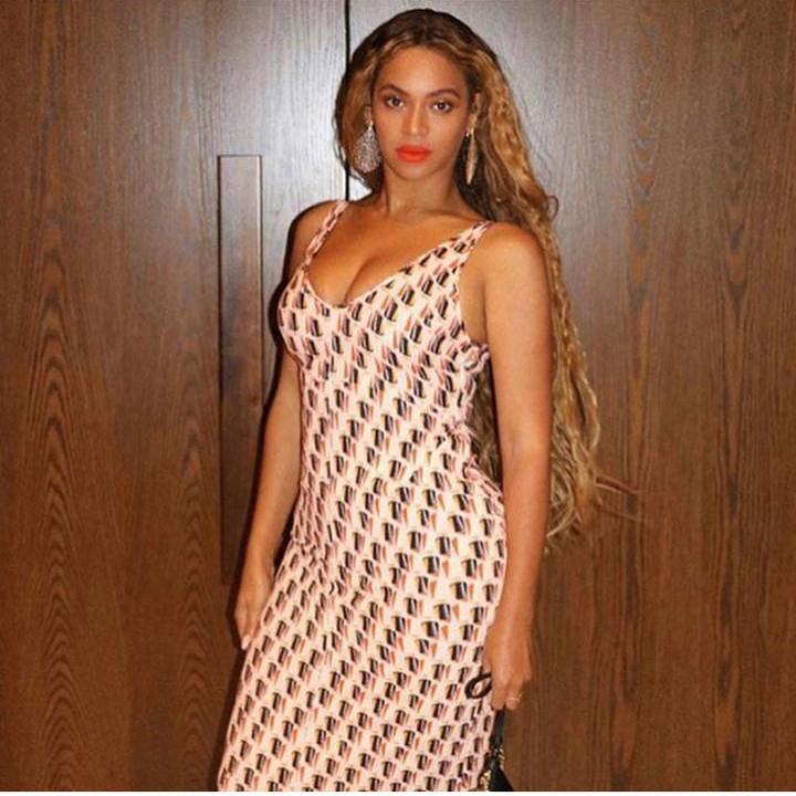 75cc4874925 Beyoncé usa brinco de designer brasileiro para show do Drake em Los ...