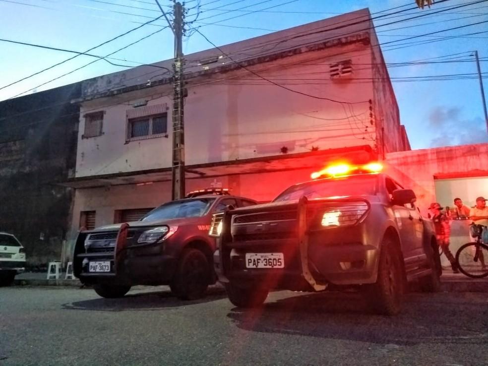 Força Nacional fechou a casa de bingo que funcionava no Alecrim, Zona Leste de Natal — Foto: Acson Freitas/Inter TV Cabugi