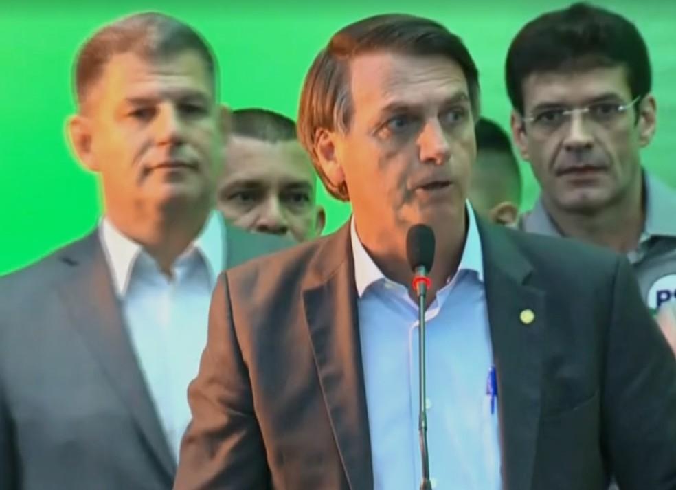 Jair Bolsonaro discursa em convenção do PSL (Foto: Reprodução/Globonews)