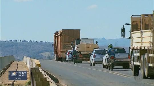 Com menos de 10 anos, ponte na MGC-146 apresenta fendas e preocupa motoristas