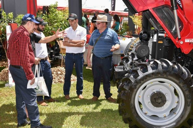 Máquinas no Show Rural (Foto: Divulgação)