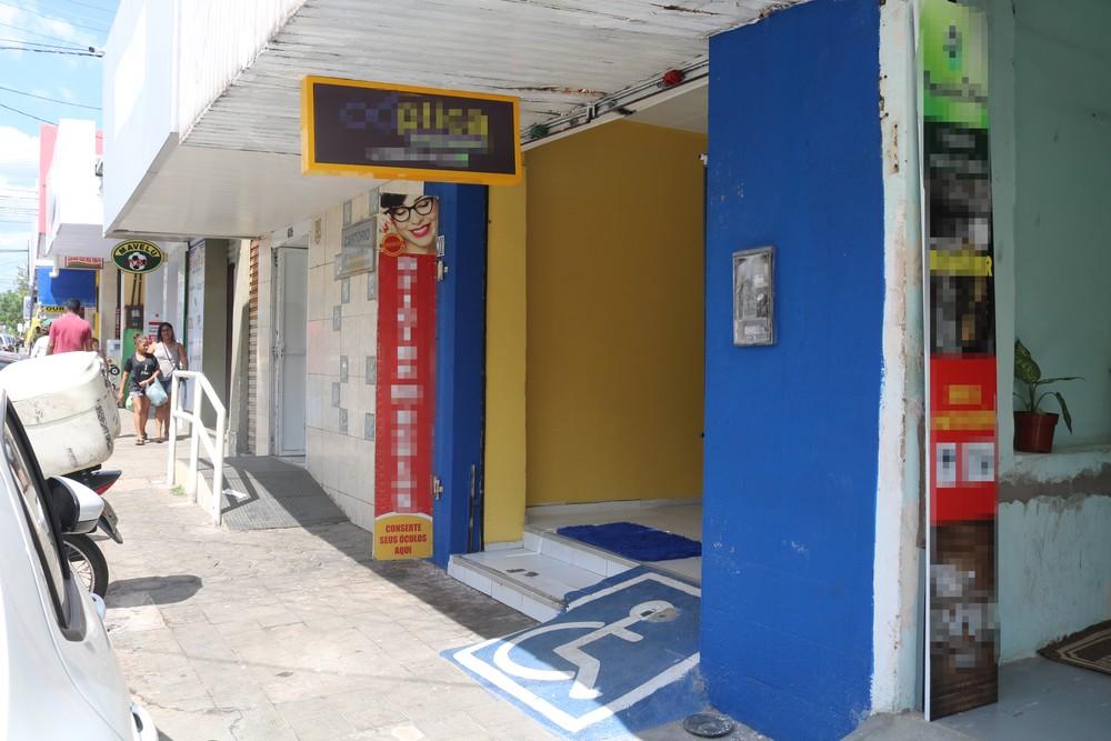 Vendedor é baleado no Centro de Teresina — Foto: Rafaela Leal/G1 PI