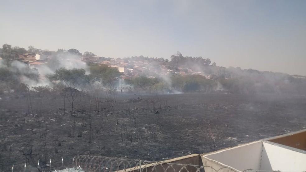 Os bombeiros controlaram as chamas e ninguém ficou ferido no incêndio — Foto: Arquivo pessoal/Jonatas Camilo dos Santos