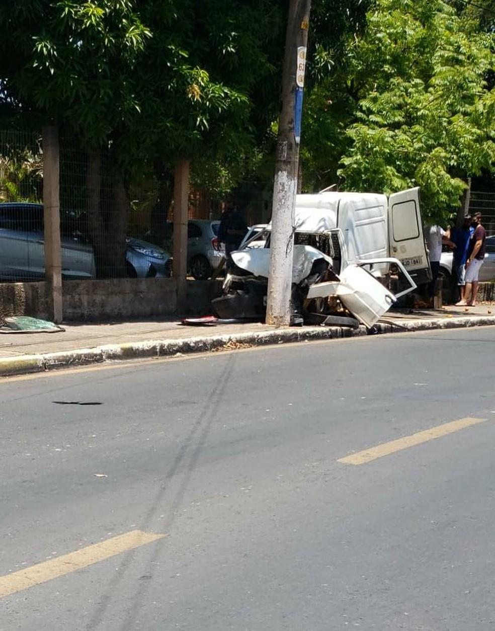 Acidente foi na avenida lateral da UFMT — Foto: Divulgação