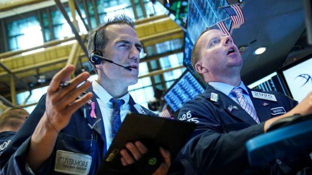 'Períodos com uma curva de juros invertida são seguidos de forma confiável por desacelerações econômicas e quase sempre por uma recessão', diz BC americano (Foto: Getty Imagens, via BBC News Brasil)