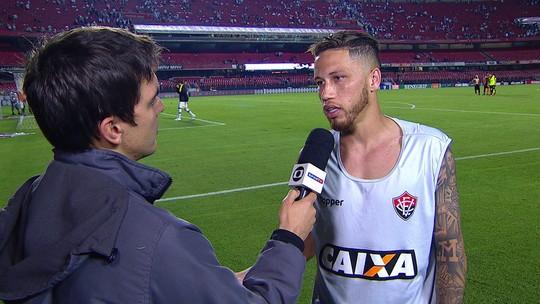 """Lucas Marques critica a arbitragem: """"Não era para expulsão"""""""