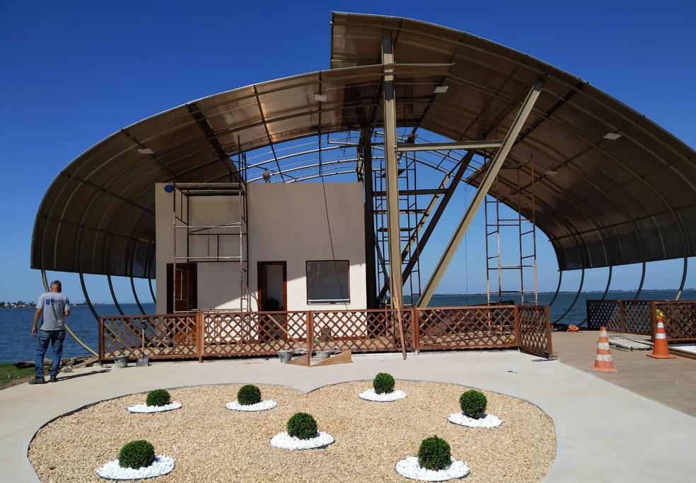 Sistema de transporte aquaviário de Araruama, RJ, conta com deck, sanitários e bilheteria. — Foto: Divulgação/Prefeitura de Araruama