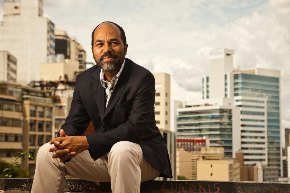 Jornalista e empreendedor Rosenildo Ferreira é pai de uma aluna do Oswald. Ele compõe o grupo de famílias do colégio — Foto: Arquivo Pessoal