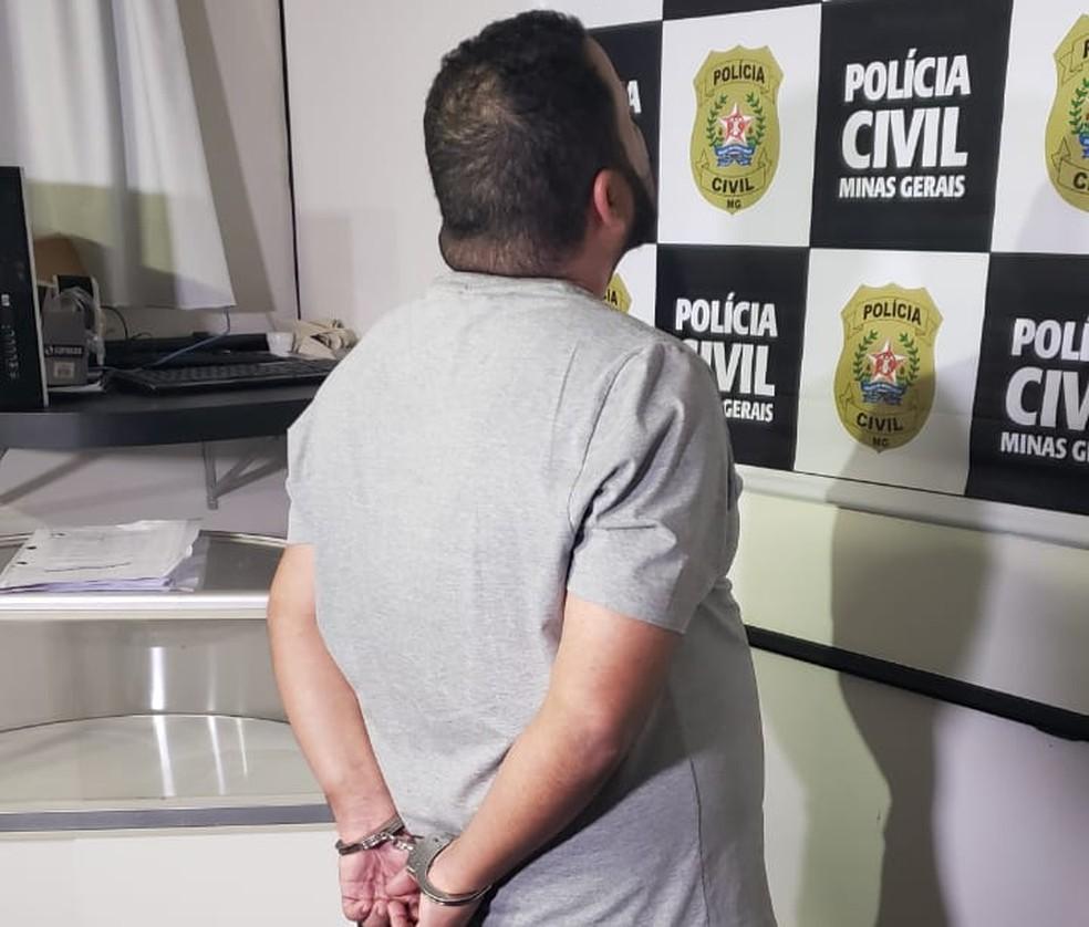 Suspeito de usar dinheiro de doação é apresentado pela Polícia Civil — Foto: Magno Dantas/ TV Globo