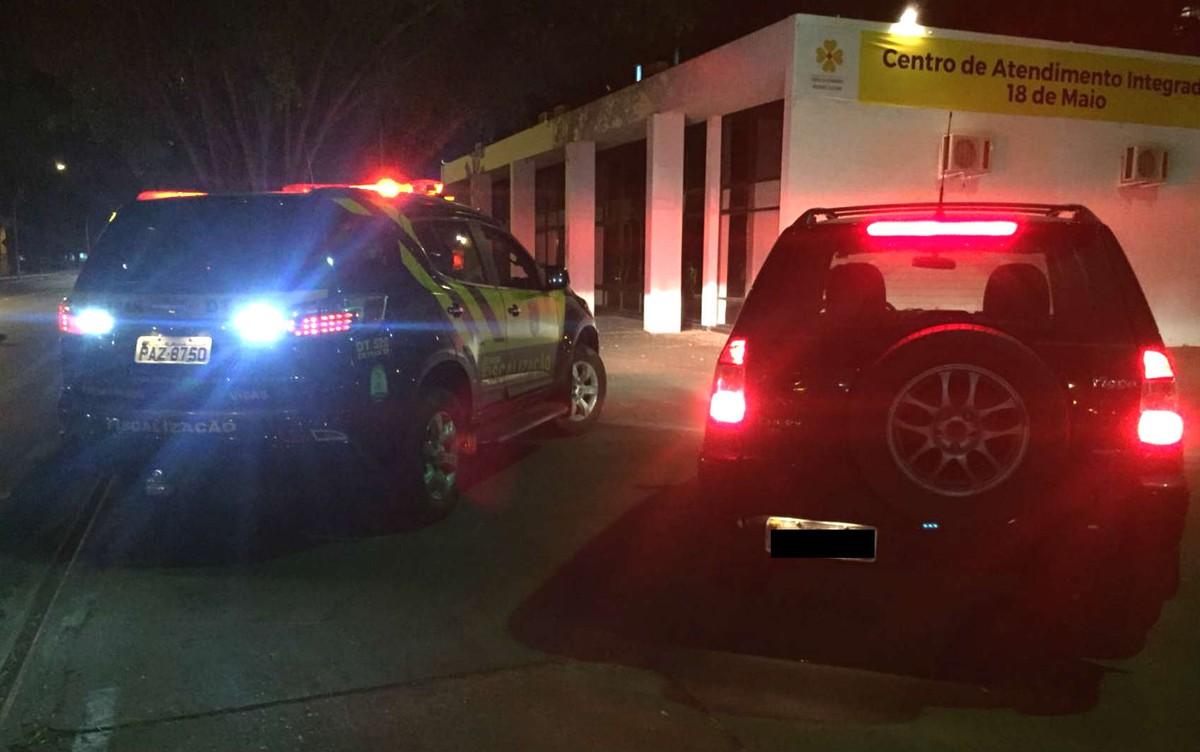 Motoristas com CNH suspensa saem dirigindo de 'aula de reciclagem' e são detidos no DF