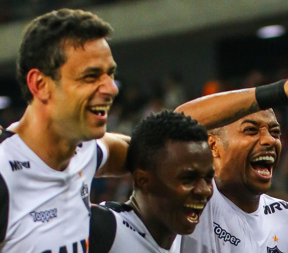 Fred, Cazares e Robinho: aproveitamento cresce com os três em campos (Foto: Bruno Cantini / Atlético-MG)