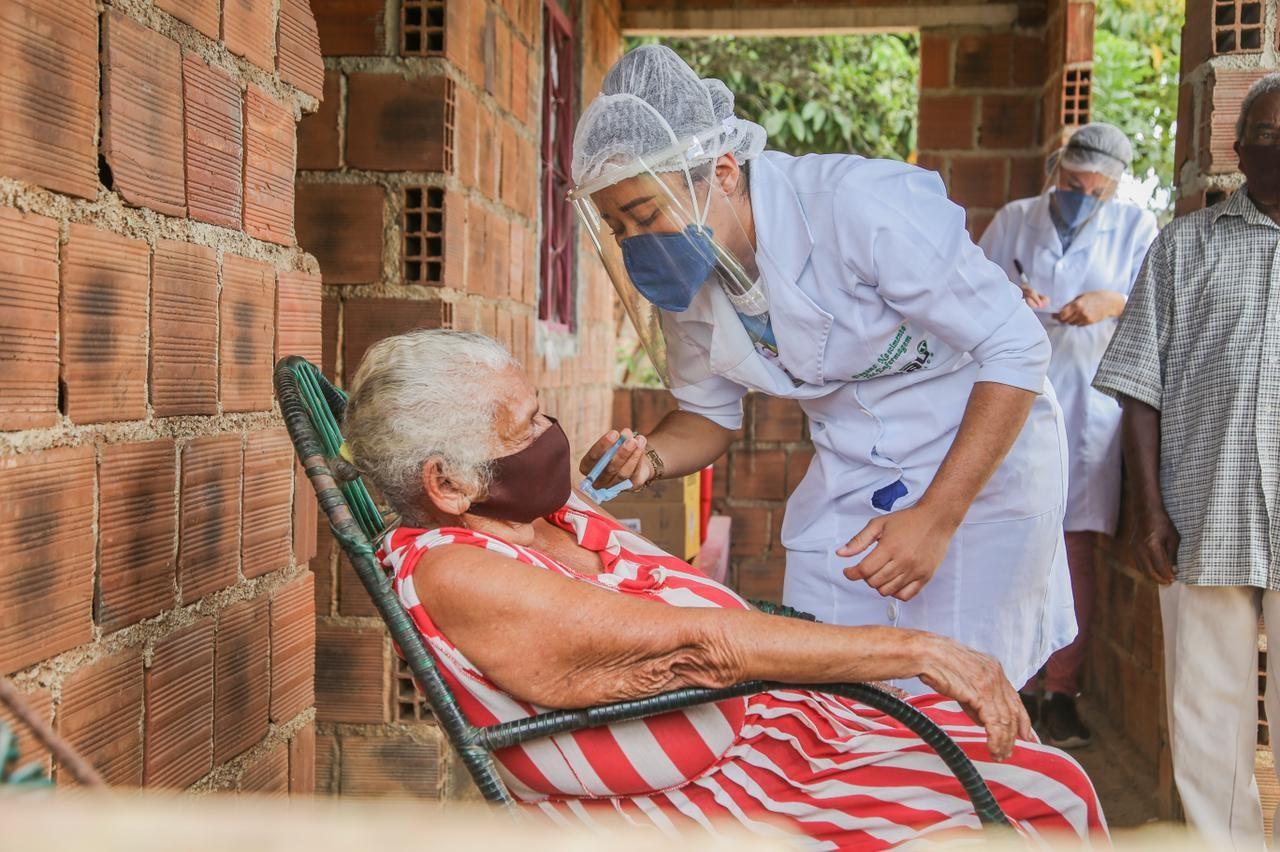 Municípios deixam de informar aplicação de vacinas contra a Covid ao Ministério da Saúde e comprometem monitoramento