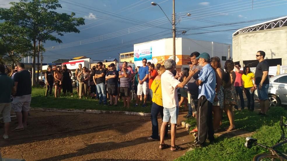 Manifestação começou por volta das 16h em Araguaína — Foto: Cassia Rangel/ TV Anhanguera