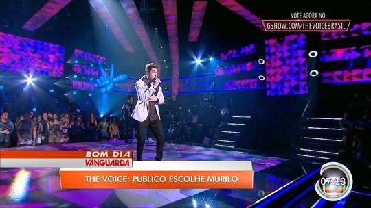 Murilo Bispo é escolhido pelo público e avança no The Voice