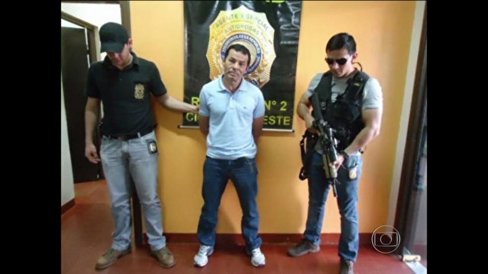 O traficante Benemário, conhecido como Coroa, foi preso no Paraguai. Ele está condenado a 73 anos de prisão por vários crimes (Foto: Reprodução)