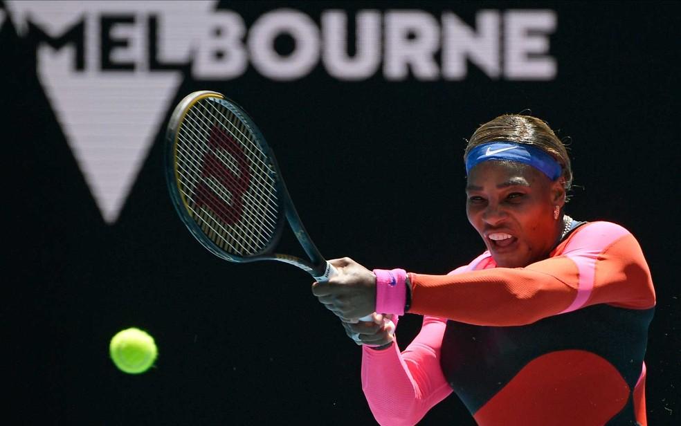 Norte-americana Serena Williams durante partida contra a russa Anastasia Potapova no Aberto da Austrália em Melbourne — Foto: Andy Brownbill / AP Photo