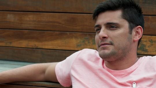 Toninho fala mal de Joana para Giovane e Gabriel: 'Vivia correndo atrás dos turistas'