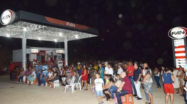 Muitas pessoas acompanharam a inauguração (Foto: Reprodução)