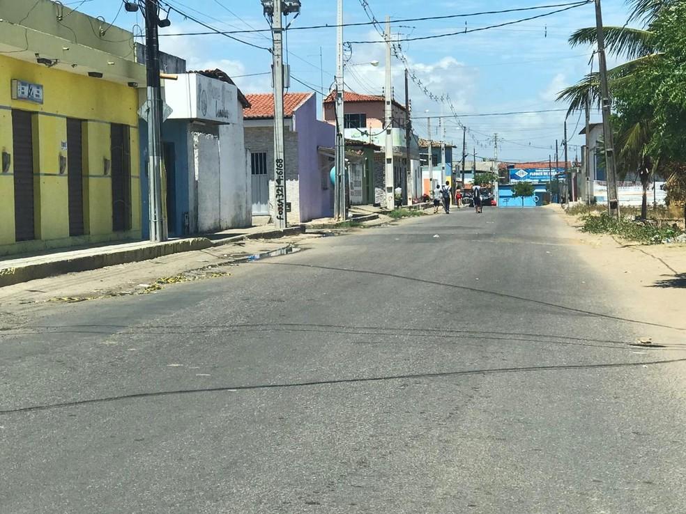 Crime aconteceu no conjunto Parque das Dunas, no bairro Pajuçara — Foto: Kleber Teixeira/Inter TV Cabugi